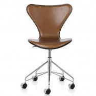 Fritz Hansen Series 7 Swivel Chair, Front Upholstered - Leather