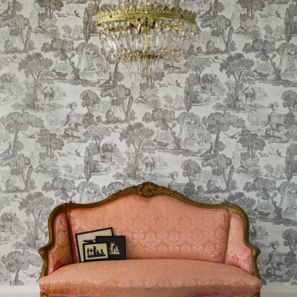Cole and Son Versailles Wallpaper - Folie