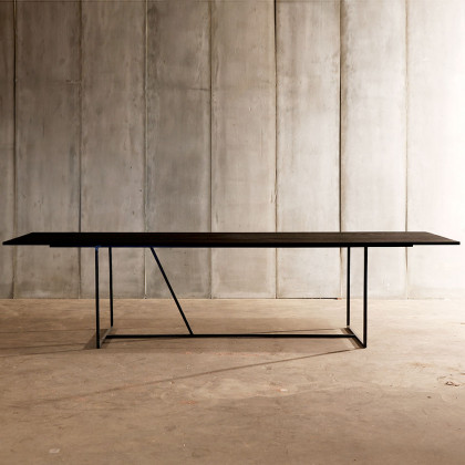 Heerenhuis Mesa Nero Blackend Oak Dining Table