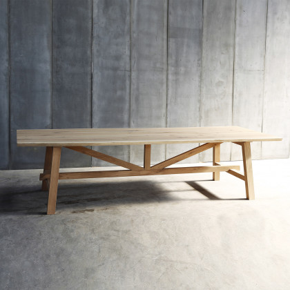 Heerenhuis Solid Oak Larbus Dining Table